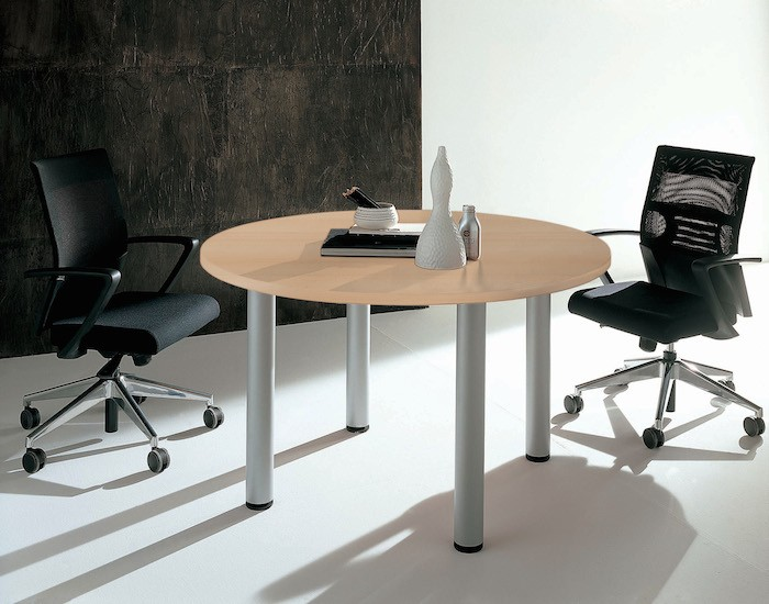 table de r union ronde avec 4 pieds idea quadrifoglio. Black Bedroom Furniture Sets. Home Design Ideas