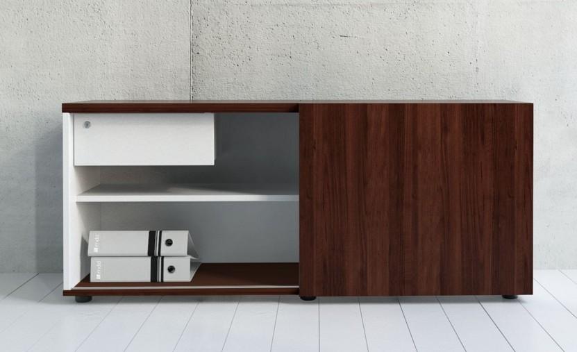 armoire basse avec porte coulissante mdd armoires mdd. Black Bedroom Furniture Sets. Home Design Ideas