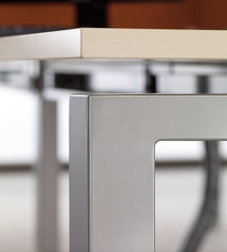 Bureau bench quadra 6 personnes mobel linea bureaux for Table titanium quadra 6 personnes